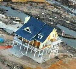 Aftermath of Hurricane Ike (2008) in Texas, U.S. © Jocelyn Augustino / FEMA